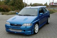 Jeremy Clarkson had something of a 'boy racer' Ford Escort RS Cosworth at one stage!