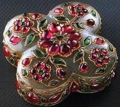 """treasures-and-beauty: """" Mughal gem set box in nephrite jade, rubies and emeralds. India """""""