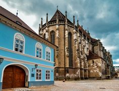 15 Best Things to Do in Brașov (Romania) - The Crazy Tourist Stuff To Do, Things To Do, Brasov Romania, Romania Travel, Black Church, Travel Advisory, Next Holiday, Beautiful Places In The World, Eastern Europe