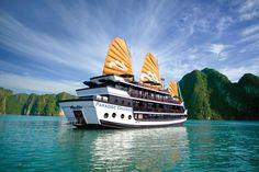 #Ha Long bay - natural wonder