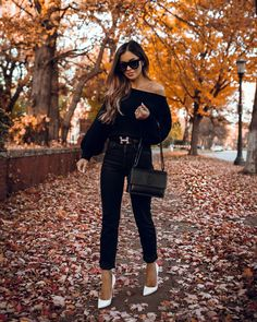 Photo November 01 2019 at womens fashion style hats shoes minimal simple dress ootd summer comfortable for her ideas tips street Chic Black Outfits, All Black Outfit, Classy Outfits, Casual Outfits, White Heels Outfit, Hermes Belt Women, Hermes Belt Outfit, Patent Leather Leggings, Faux Leather Skirt