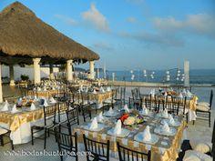 Ambientalización de la recepción, ideal para tu boda en playa por Bodas Huatulco