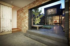 http://www.homesthetics.net/enclave-house-by-bkk-architects-in-melbourne-australia/