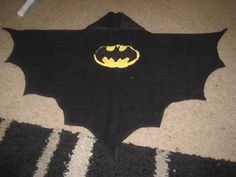 DIY Superhero Costume : DIY Batman Hooded Towel : DIY Halloween - no pattern but can figure out from pic Batman Baby Clothes, Diy Superhero Costume, Superman, Hooded Bath Towels, Diy Vetement, Batman Birthday, Towel Crafts, Crochet For Boys, Sewing Projects For Kids
