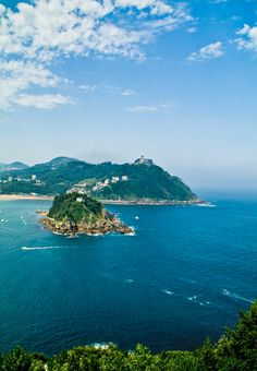 San Sebastian is a picturesque coastal town in Northern Spain. Relax and enjoy the scenery.