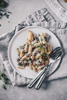 Easy Vegan Mushroom Pasta with Fresh Thyme (Gluten Free). Ready under 30 minutes, made with only simple and nutritious ingredients! A must try for vegans, as well as non-vegans. I promise you won't miss dairy in this recipe!