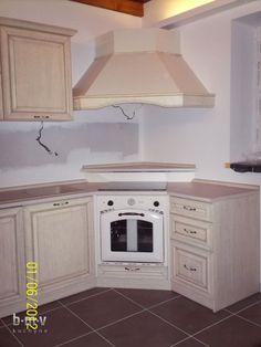 Rustikálna kuchynská linka - BMV Kuchyne Kitchen Appliances, Diy Kitchen Appliances, Home Appliances, Domestic Appliances