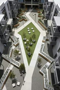 If you live in a dry and arid climate then your desert landscaping is going to take a little more planning than some other parts of the country. desert landscaping will have to work with a plan that includes only plants and trees that Architecture Courtyard, Plans Architecture, Landscape Architecture Design, Landscape Plans, Urban Landscape, Landscape Designs, Design Jardin, Garden Design, Gardens