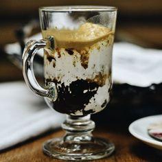 Parada obrigatória nas compras de sábado para tomar o incrível Espresso com Marshmallow da casa! ❤️ ☕️ Para acompanhar, peça os nossos amanteigados. 👌  #Coffee #CiaMineiradeChocolates #UberlândiaShopping