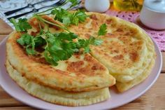 Felülmúlja a legínycsiklandóbb lángost is! Hungarian Recipes, Russian Recipes, Unique Recipes, Ethnic Recipes, Fast Dinners, Tasty, Yummy Food, Kefir, Food 52