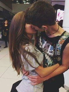 Imagem de love, couple, and kiss