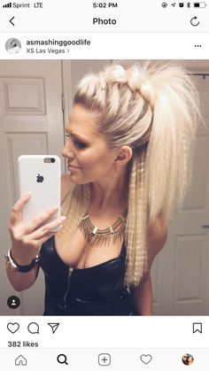 Cute night out hair! 🖤 Cute night out hair! 🖤 More from my site hairstyles for long hair videos Night Out Hairstyles, Pretty Hairstyles, Braided Hairstyles, Unique Hairstyles, Faux Hawk Hairstyles, 80s Hairstyles, Faux Hawk Updo, Mohawk Updo, Braided Faux Hawk