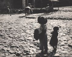 Nell Dorr (1893-1988), Children, Oaxaca, 1962