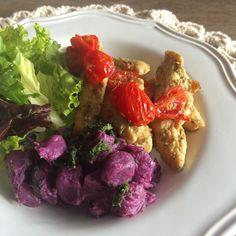 """370 curtidas, 8 comentários - Club Life Foods (@clublifefoods) no Instagram: """"Tão gostoso que nem parece dieta! 😋 {nhoque roxo na ghee + frango em tirinhas com tomate + salada}…"""""""
