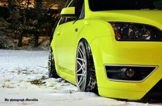 Yellow Ford Focus ST with big rims - Winter Car Cat, Ford Motorsport, Ford Rs, High Performance Cars, Yellow Car, Ford Escort, Car Engine, Car Wheels, Modified Cars