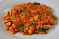 Palavras que enchem a barriga: Estufado de lentilhas com courgette, tomate e lara...