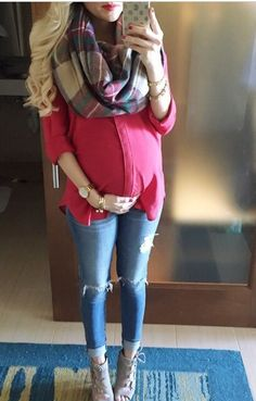 10 Tips For Creating A Winter Maternity Capsule Wardrobe Pregnancy Fashion Winter, Winter Maternity Outfits, Maternity Wear, Maternity Fashion, Fall Outfits, Fashion Outfits, Maternity Style, Mat Fashion, Baby Bump Style
