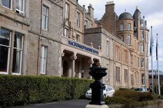 Situated on the East Coast of #Scotland, this 19th-century hotel boasts extensive conference facilities, a luxurious spa complex, award-winning restaurant, golf course and restaurant. Why not try your hand at watersports or golf or visit East Links Family Park, Scottish Sea Bird Centre or even the Belhaven Brewery. #UKHoliday   https://www.ukholidayletting.com/item/macdonal-marine-hotel-spa-north-berwick/