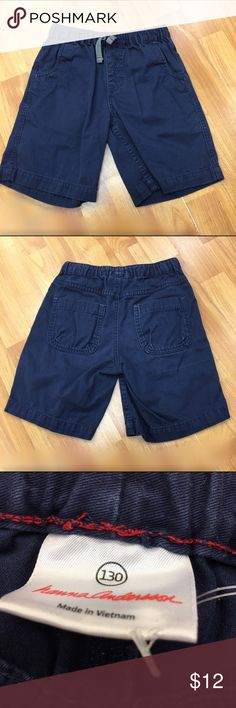 Hanna Andersson Navy Woven Drawstring Shorts 130 8 Hanna Andersson Navy Woven Drawstring Shorts 130 Boys 8/10  Good used condition (due to wash wear) except for a weird pull like thing on the back of the right leg.  See picture.  Functional drawstring and elastic waist.  #navy #shorts #shortstuff #hannaandersson130 #justthebasics #blue #summer Hanna Andersson Bottoms Shorts