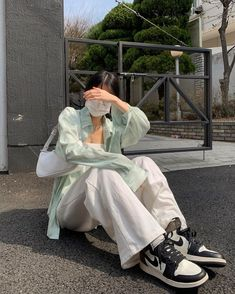 Ulzzang Fashion, Kpop Fashion Outfits, Korean Outfits, Mode Outfits, Korean Fashion, 90s Fashion, Cute Casual Outfits, Pretty Outfits, Summer Outfits