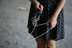 Détordre un cintre | La Fabrique DIY