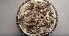 Aprenda a fazer um bolo gelado de Kit Kat que é muito fácil!