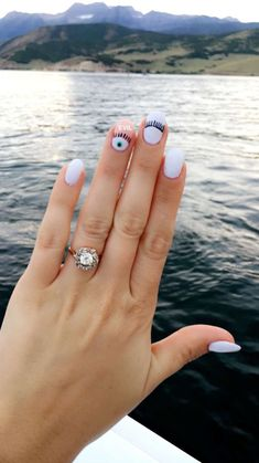 25 Charming Short Round Nail Designs with Perfect Color You Will Love 25 Charming Short Round Nail Designs with Perfect Color You Will Love<br> Minimalist Nails, Gelish Nails, Diy Nails, Nail Swag, Round Nail Designs, Evil Eye Nails, Short Round Nails, Nails 2017, Dream Nails