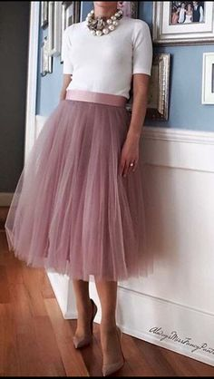 Very cute look with tulle skirt « Kleidung 24 Easy Sytish Ways to Recreate Sequin Skirt Outfits Fashion Mode, Modest Fashion, Fashion Outfits, Womens Fashion, Ladies Fashion, Dress Skirt, Dress Up, Tulle Skirt Outfits, Tulle Skirts