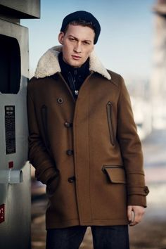 View the full Belstaff Fall 2017 menswear collection.