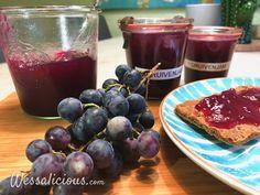 In dit recept leggen we uit hoe je het beste Zelfgemaakte druivenjam (druivenconfituur of druivengelei) kunt maken met behulp van geleisuiker. Pickels, Chutney, Plum, Lunch, Healthy Recipes, Homemade, Breakfast, Desserts, Fruit Bewaren