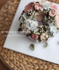 "298 Likes, 1 Comments - 베러케이크/BetterCake 버터크림&앙금플라워케익 (@better_cake_2015) on Instagram: "". . Done by my student - Beanpaste rice flower cake💕💕 . . -BETTER CAKE & CHICME CAKE-…"""