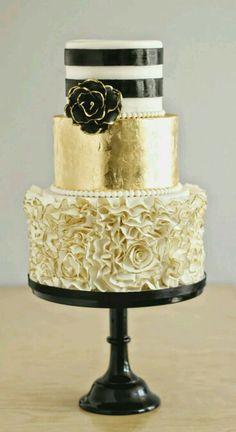 Gold wedding cake three tier with ruffles, stripes and metallic gold layer #goldweddingcake