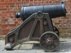 Dawlish Chronicles : Carronades at Fort Nelson help visitors touch Jack...