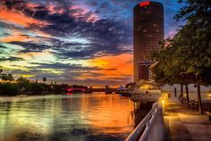Tampa, Florida put on a show this evening! The Tampa Riverwalk
