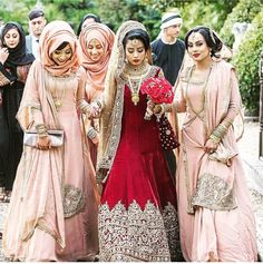 Beautiful photo of a lovely Bengali wedding in London, by the talented – Best Stylish Indian Bridal Fashion, Indian Bridal Wear, Pakistani Wedding Dresses, Pakistani Outfits, Bridal Wedding Dresses, Bengali Wedding, Wedding Sherwani, Saree Wedding, Wedding Pics