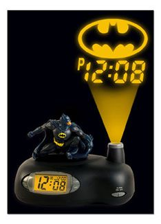 Batman Projection Alarm Clock - Braxten could wake up fighting crime every morning instead of just a couple days a week. ahhh i want this dunnnnnuuunnu batman Batman Room, I Am Batman, Batman Stuff, Funny Batman, Superhero Room, Gotham Batman, Batman Art, Monsieur Jean, All Batmans