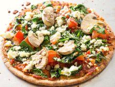 Deilig pitapizza helt for deg selv! Pita Pizzas, Spinach And Feta, Vegetable Pizza, Pesto, Food And Drink, Baking, Snacks, Free, Inspiration
