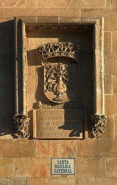 La Catedral Nueva - Salamanca, Spain All About Spain, Art Nouveau, Portugal, Iberian Peninsula, Beyond The Sea, Tourist Spots, Wonders Of The World, Facade, Scenery