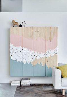 Al eerder schreef ik een blog over een leuke Ikea kast voor op de kinderkamer, namelijk de Stuva, maar de Ivar is ook een juweeltje! In deze blog heb ik mooie voorbeelden verzameld van de Ikea Ivar kast op gave kinderkamers. Gepimpt en gewoon 'puur'. Wat heeft jouw voorkeur? Het blanke