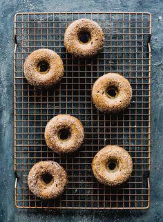 Gluten Free Pumpkin Donut Recipe, Gluten Free Donuts, Gluten Free Baking, Healthy Baking, Healthy Recipes, Baked Donut Recipes, Baked Donuts, Doughnuts, Fall Recipes