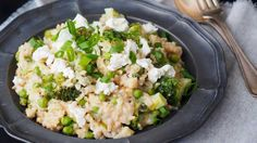 Risotto doesn't doesn't have to be a time guzzling affair; this speedy vegetarian rice dish can be whipped up in just 15 minutes.