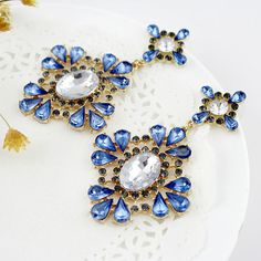 Fashion Designer Jewelry Gold Color Graceful Charming Blue Hollow Out Imitation Crystal Rhinestone Flower Dangle Earrings