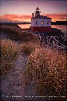 Bandon Light house Google Image Result for http://www.outdoorexposurephoto.com/photos/16250_01_M.jpg