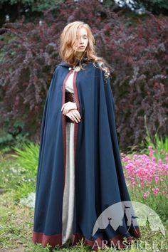 Medieval Cloak, Medieval Costume, Renaissance Costume, Medieval Fashion, Medieval Clothing, Celtic Clothing, Coat Dress, Dress Up, Apron Dress