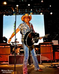 Jason Aldean (Saw September 29, 2012).