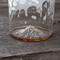 Mt Hood Oregon Pint Glass Price: $35 Status: $254,979 of $15,000 goal—FUNDED Estimated delivery: June 2015 Portland-based North Drinkware presents handmade, blown-glass barware celebrating the two things the Pacific Northwest does best: beer and natural beauty. Scenic Mt. Hood is 3D printed and then molded into the base of each 16-ounce glass and topped off with a flame-polished rim. North aims to create a whole collection of landmark-inspired glassware for other states across the country.