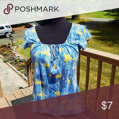 Abstract Multi Colored Shirt Really cute and in percent condition Tops Tees - Short Sleeve