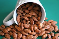 Cinnamon Roasted Almonds Recipe-Easy to make at home and great for gift giving! High Protein Snacks, Healthy Protein, Healthy Snacks, Healthy Recipes, Healthy Deserts, Protein Recipes, Lunch Snacks, Protein Bars, Smoothie Recipes