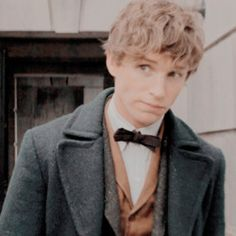 icons & headers Harry Potter Icons, Harry Potter Characters, Eddie Redmayne Hufflepuff, Header Pictures, Yer A Wizard Harry, Fantastic Beasts And Where, Draco Malfoy, Celebrity Crush, Actors