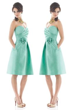 Cute bridesmaid dress in turquoise, teal, aqua (tiffany blue?)